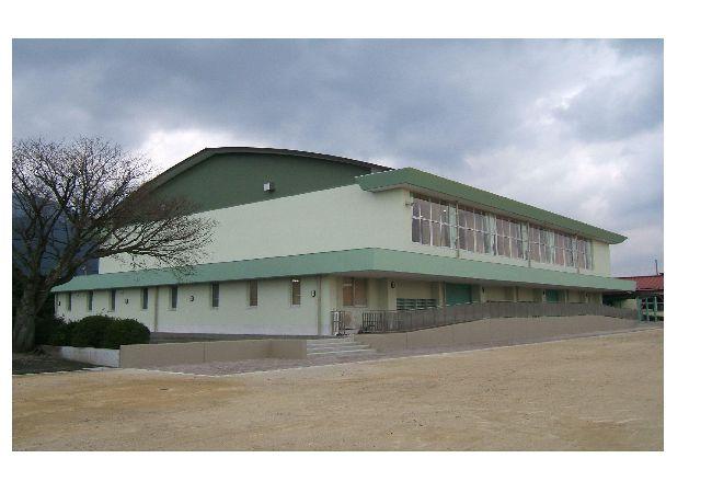 公共施設、鉄骨+コンクリート造、椿小学校体育館